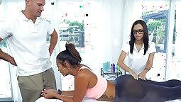 Kinky sister with busy honey rush her spermrite massage