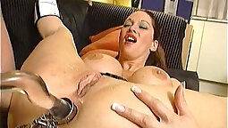 Horny Mia and her sweet ass spreads