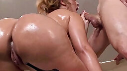 Bubble butt big tit Marsha Novea nailed doggystyle at the Star