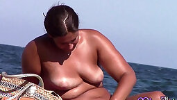 Anal for Chubby Woman...LOOK AT HER FACE...IN FORMES ITALIAN