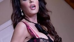 Busty Jessica Jaymes gets a big black dick in she cunt