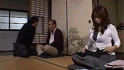 Amateur masseuse banged by husband