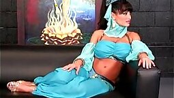 Busty Lisa Ann naughty skin princess girls from lusty RED COST
