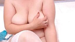 Big Tits MILF Masturbating From Her Webcam