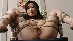 Little amateur toy her pussy