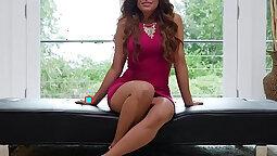 Captivating babe Asila Bangs stretching legs to orgasm